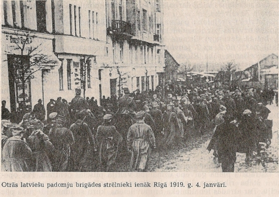 Латышская 2-я стрелковая бригада входит в Ригу 4 января 1919 года