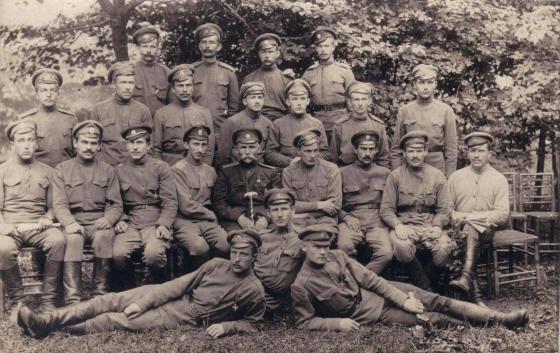 4-й Видземский латышский полк, Ансис Зелтиньш, командир (в центре).