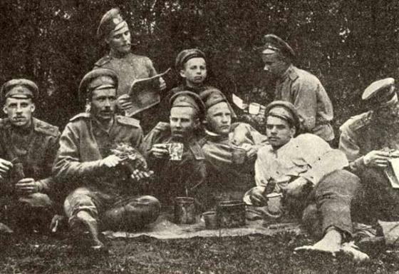 4. Vidzemes latviešu strēlnieku pulka izlūki atpūtā. 1916