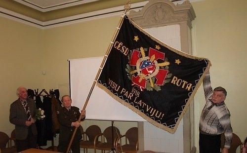 Atjaunotais Cēsu rotas karogs, 2010g