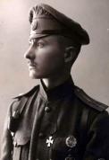 Fridrihs Briedis arī Fridrichs Breedis (1888.-1918.) - 1. Daugavgrīvas latviešu strēlnieku pulka kapteinis. 1917. gads.