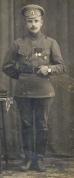2-го Латышского стрелкового Рижского полка Георгиевский кавалер, шифровка на погонах 2Л Старший унтер-офицер . На левом рукаве две нашивки за ранения.