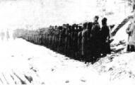 4. Vidzemes latviešu strēlnieku pulka izdzīvojušie karavīri pēc 12. (25.) janvāra kaujas. 1917