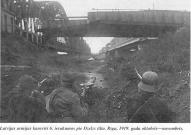 Окопы защитников Риги у железнодорожного моста на берегу Даугавы октябрь-ноябрь 1919 год.