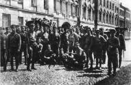Группа стрелков 9-го латышского стрелкового полка во время подавления мятежа левых эсеров в Москве 7 июля 1918 года