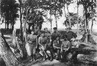 Группа стрелков 3-го латышского стрелкового полка в Калуге летом 1918 года