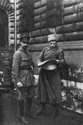 Члены революционного военного совета армии советской Латвии Я. Пиече (слева) и А. Дауманис