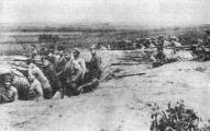 Стрелки 4-го латышского стрелкового полка на позициях в Латгале летом 1919 года.