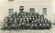 1.Daugavgrīvas latviešu strēlnieku bataljona 3.rotas vads Rīgā, Krustabaznīcas kazarmās, pirms iziešanas uz fronti 1915.gada oktobra sākumā.